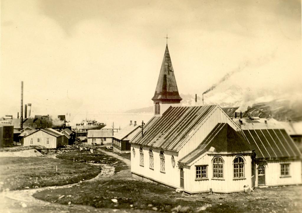 Kirken i Grytviken. Foto gitt av Signe Løken. Fotograf ukjent.