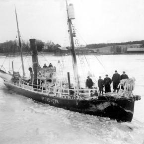 Hvalbåten SVEND FOYN  ca 1895 – Fotograf Larsen – Slottsfjellsmuseets fotoarkiv